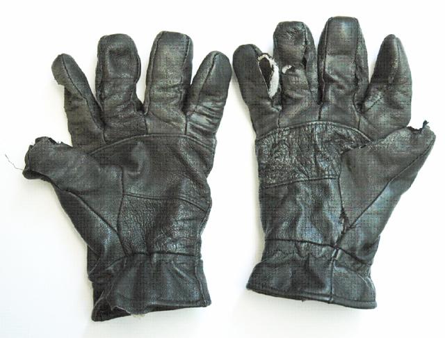 Gloves x640