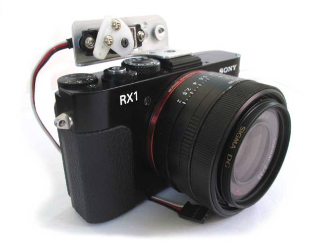 RX1 with shutter servo